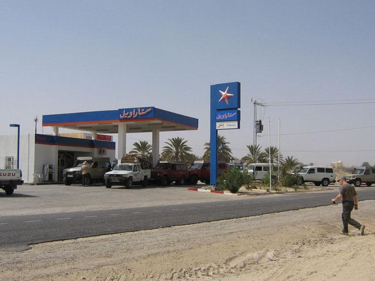 Tankstelle außerhalb von Douz