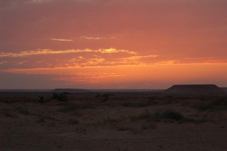 Sonnenuntergang in Darj. Solche traumhaften Bilder sind in der Sahara keine Seltenheit.