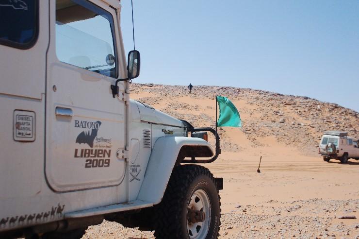 Wichtiger als Geschick und das Vertrauen auf die Fahrzeuge ist die ausgiebige Suche nach einem möglichem Weg hinaus aus dem Tal.