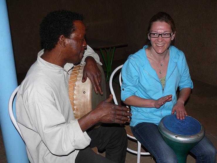 Gisela mit Trommel