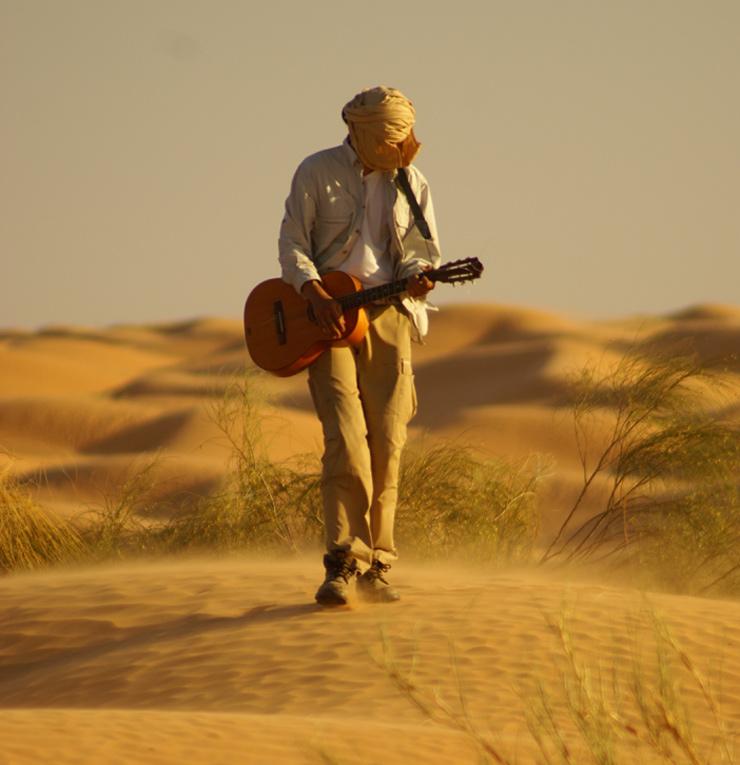 felix genießt die wüste auf seine weise